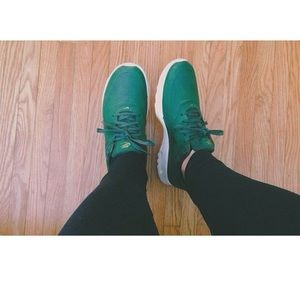RARE green air max premium leather